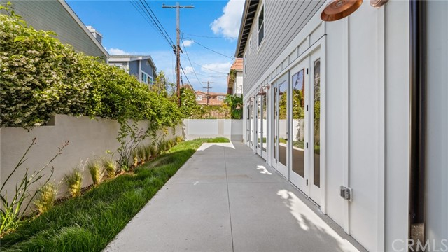 Active | 2421 Voorhees Avenue #B Redondo Beach, CA 90278 33