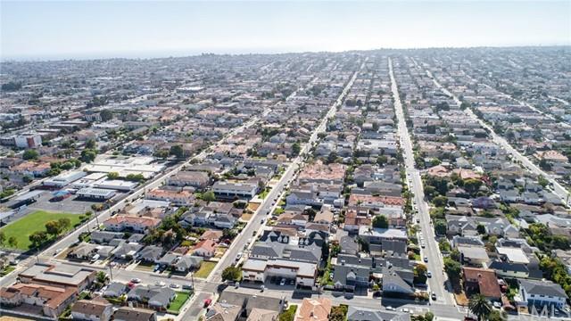 Active | 2421 Voorhees Avenue #B Redondo Beach, CA 90278 36