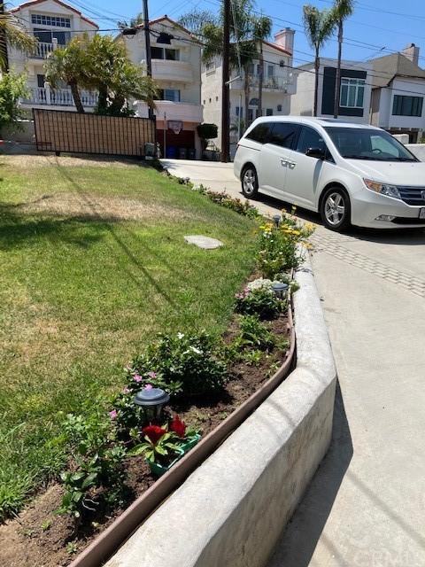 Active | 1536 Wollacott Street Redondo Beach, CA 90278 1