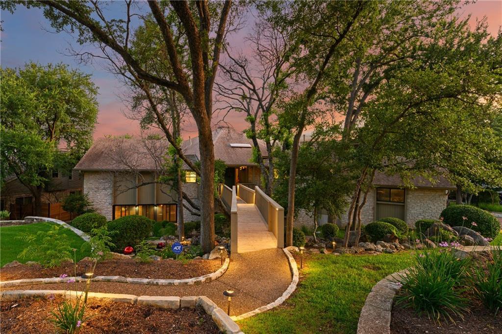 Active | 5911 Rising Hills Drive Austin, TX 78759 29