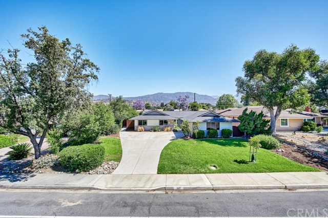 Closed   283 W Radcliffe Drive Claremont, CA 91711 1