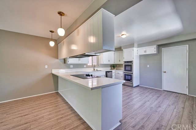 Closed   283 W Radcliffe Drive Claremont, CA 91711 14
