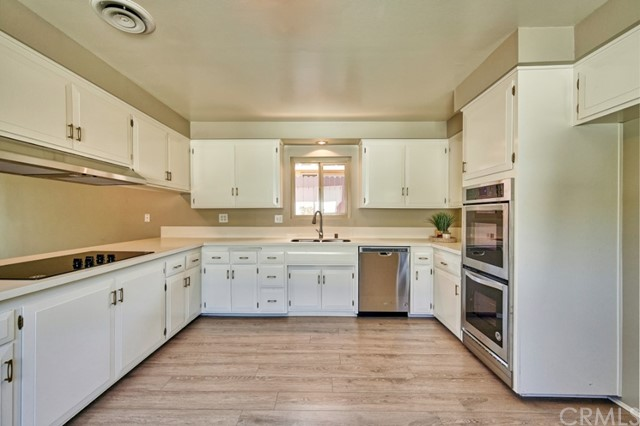 Closed   283 W Radcliffe Drive Claremont, CA 91711 15