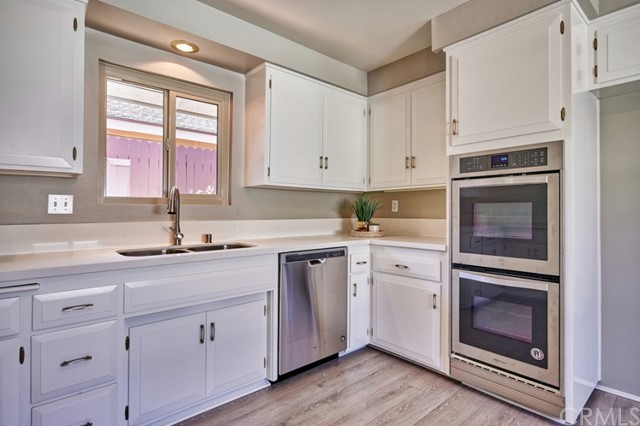 Closed   283 W Radcliffe Drive Claremont, CA 91711 18