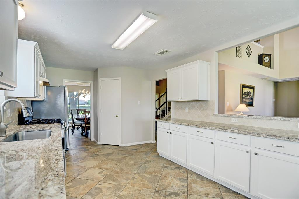 Off Market | 11223 S Country Club Green Drive Tomball, Texas 77375 10