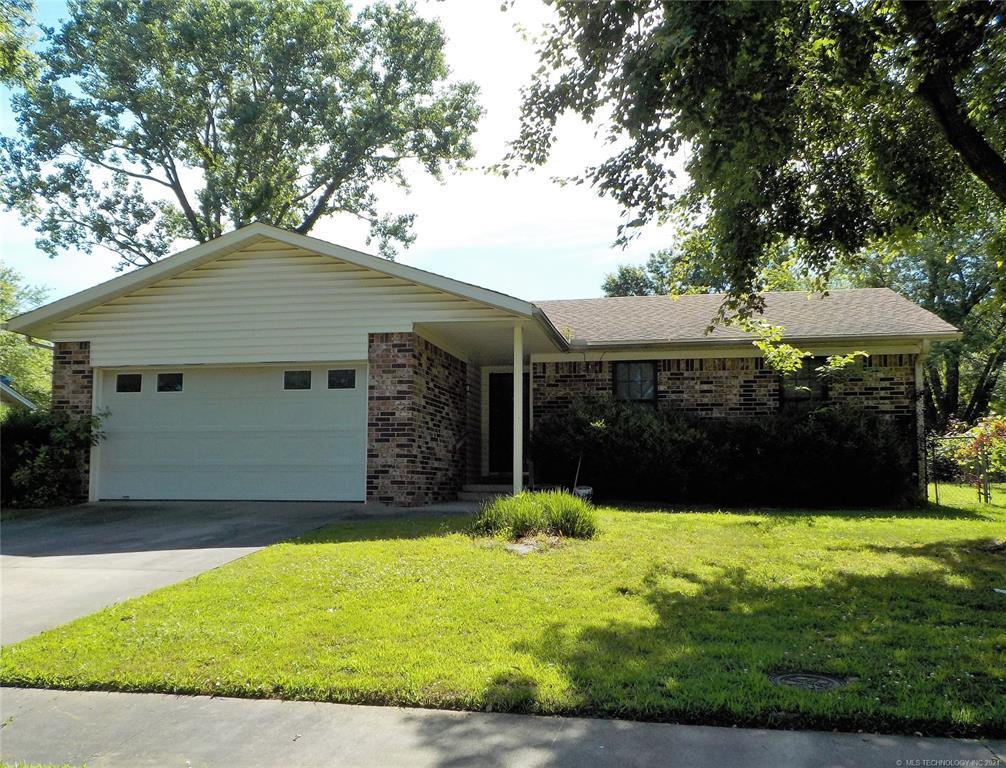 Active | 1819 Southridge Drive Pryor, Oklahoma 74361 7