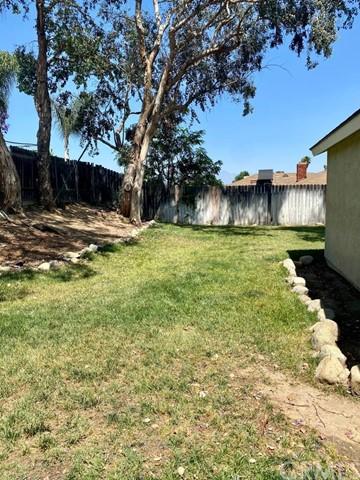 Closed   565 S Yucca Rialto, CA 92376 0