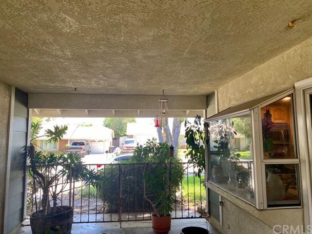 Closed   565 S Yucca Rialto, CA 92376 2