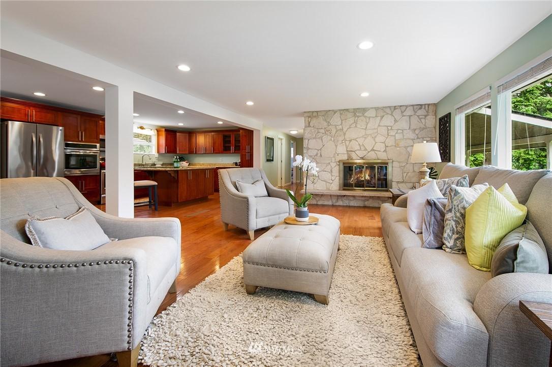 Sold Property | 3204 NE 190th Street Lake Forest Park, WA 98155 3