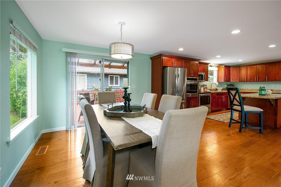 Sold Property | 3204 NE 190th Street Lake Forest Park, WA 98155 6