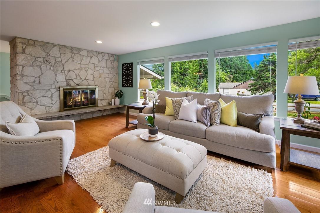Sold Property | 3204 NE 190th Street Lake Forest Park, WA 98155 4