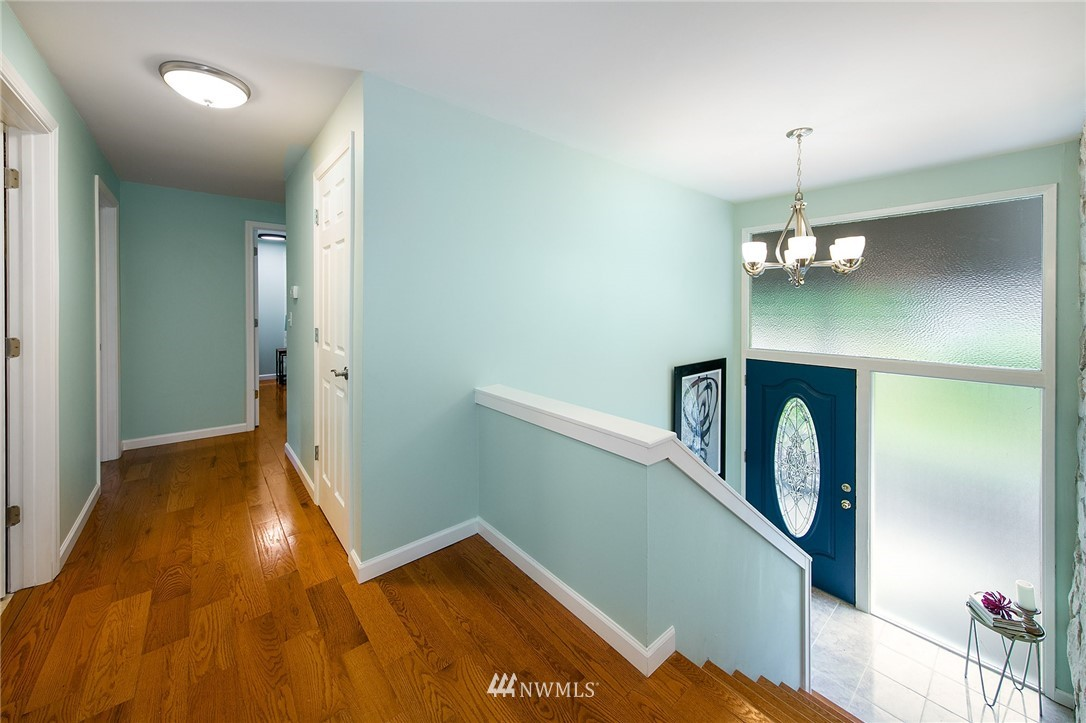 Sold Property | 3204 NE 190th Street Lake Forest Park, WA 98155 9