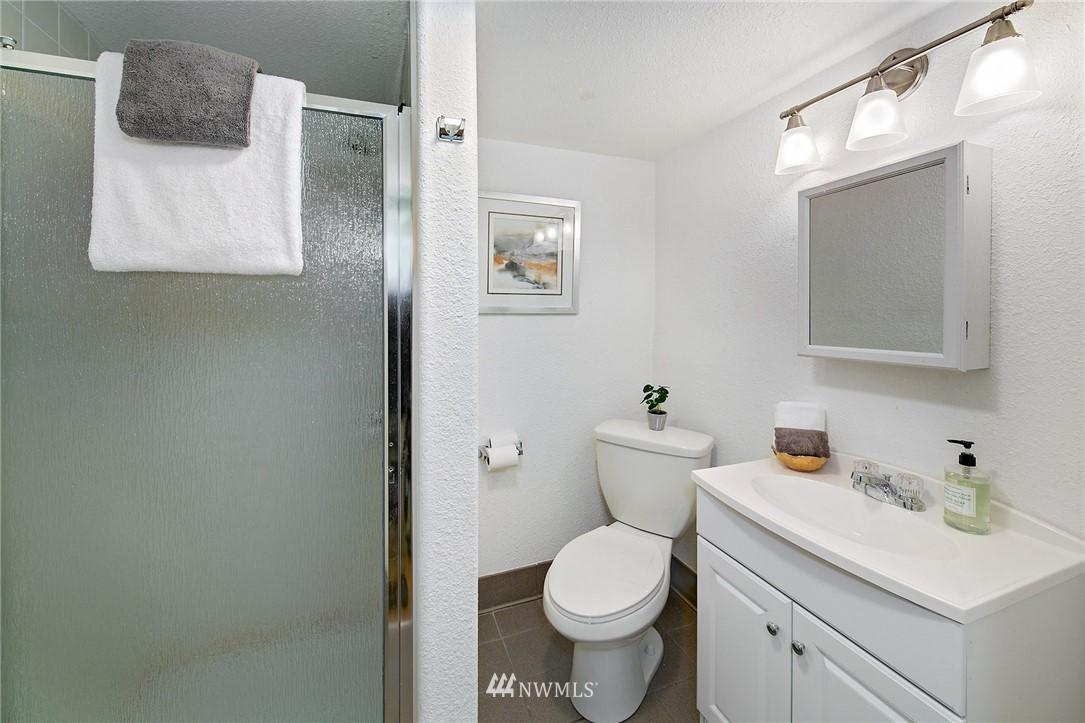 Sold Property | 3204 NE 190th Street Lake Forest Park, WA 98155 18