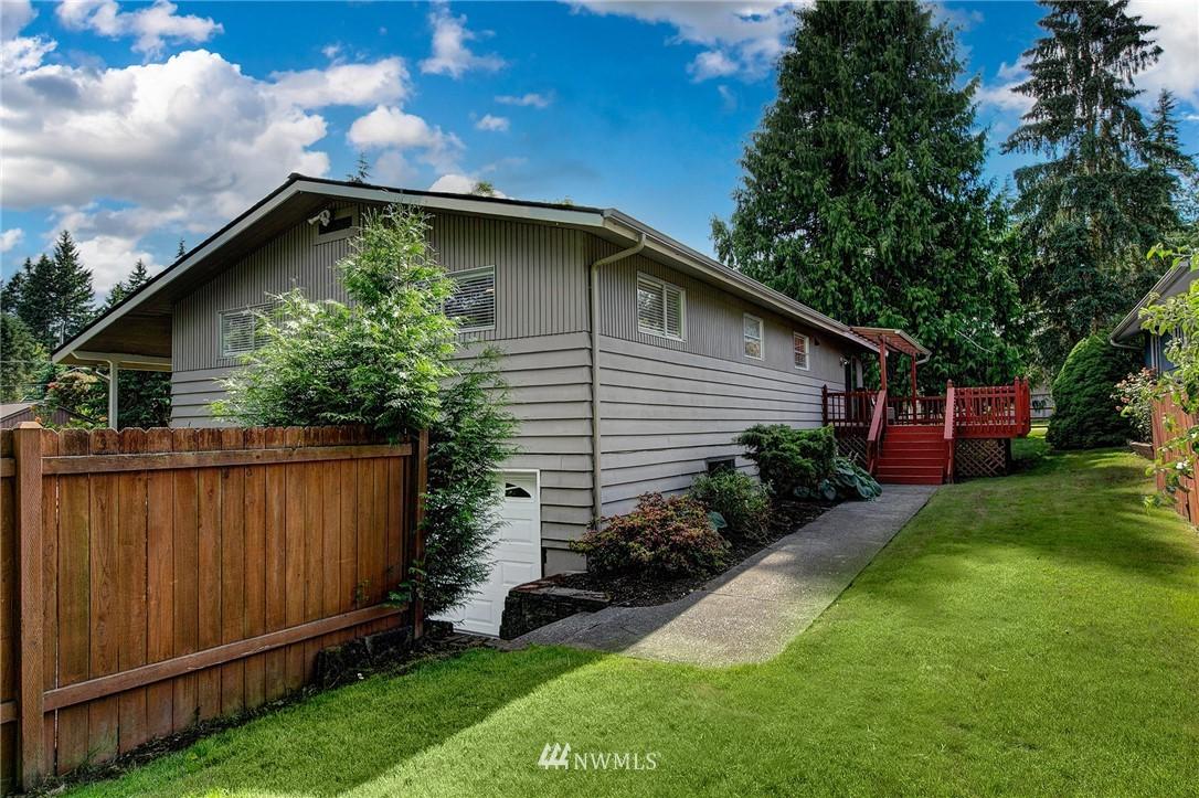 Sold Property | 3204 NE 190th Street Lake Forest Park, WA 98155 23
