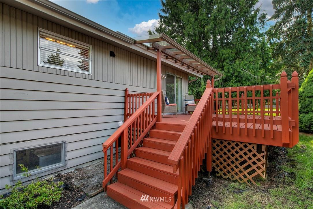 Sold Property | 3204 NE 190th Street Lake Forest Park, WA 98155 22