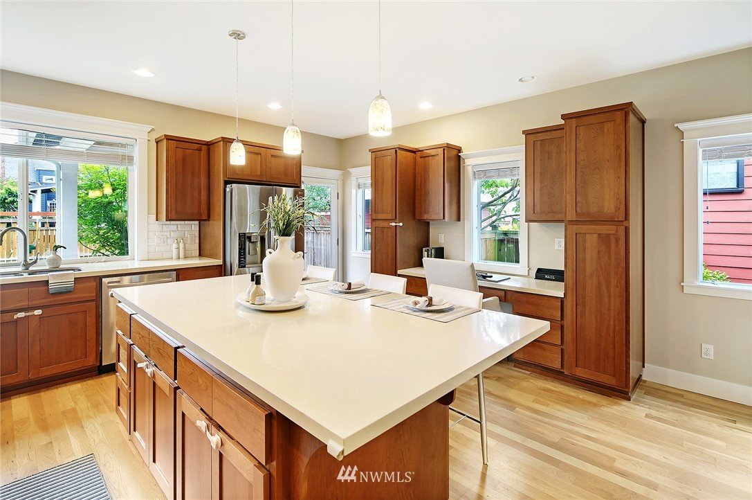 Sold Property | 7541 14th Avenue NW Seattle, WA 98117 6