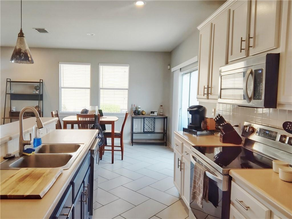 Homes for Lease Rent in Hutto   107 Holmstrom Street Hutto, TX 78634 10