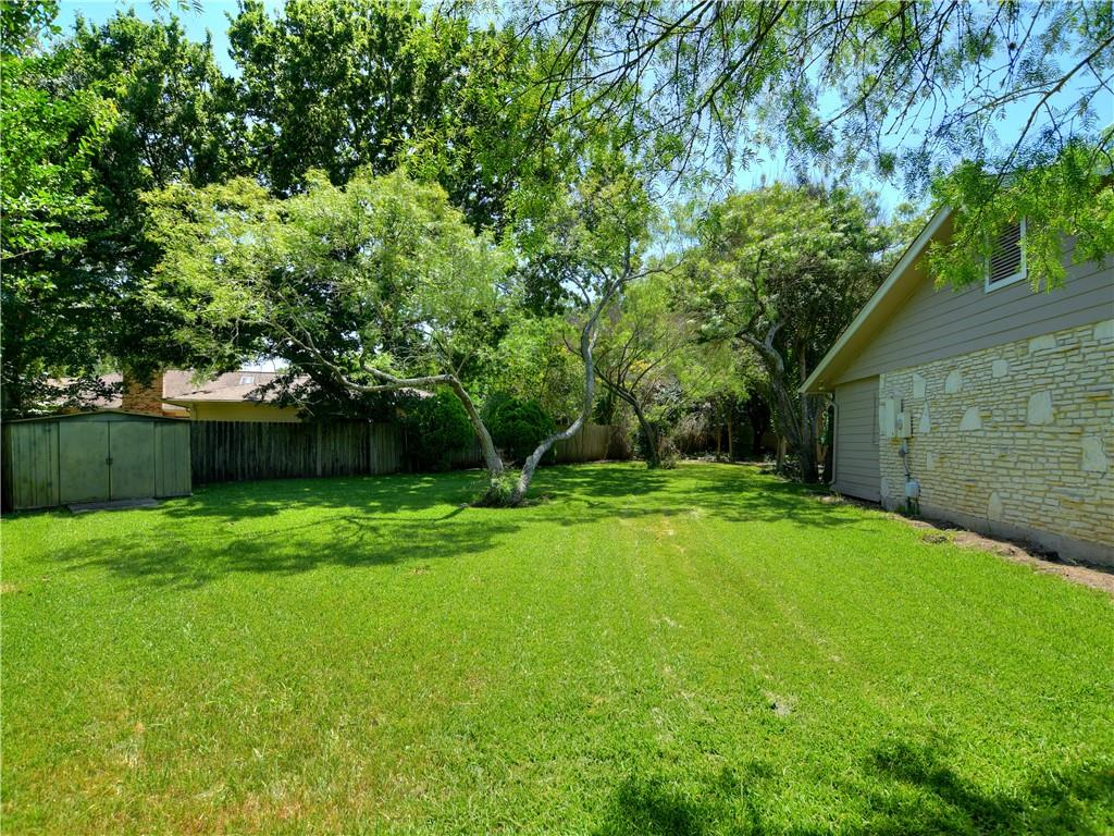 Active | 2301 Pinehurst Cove Austin, TX 78747 25