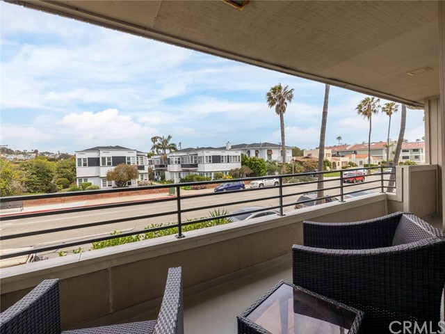 Active | 700 Esplanade #21 Redondo Beach, CA 90277 22