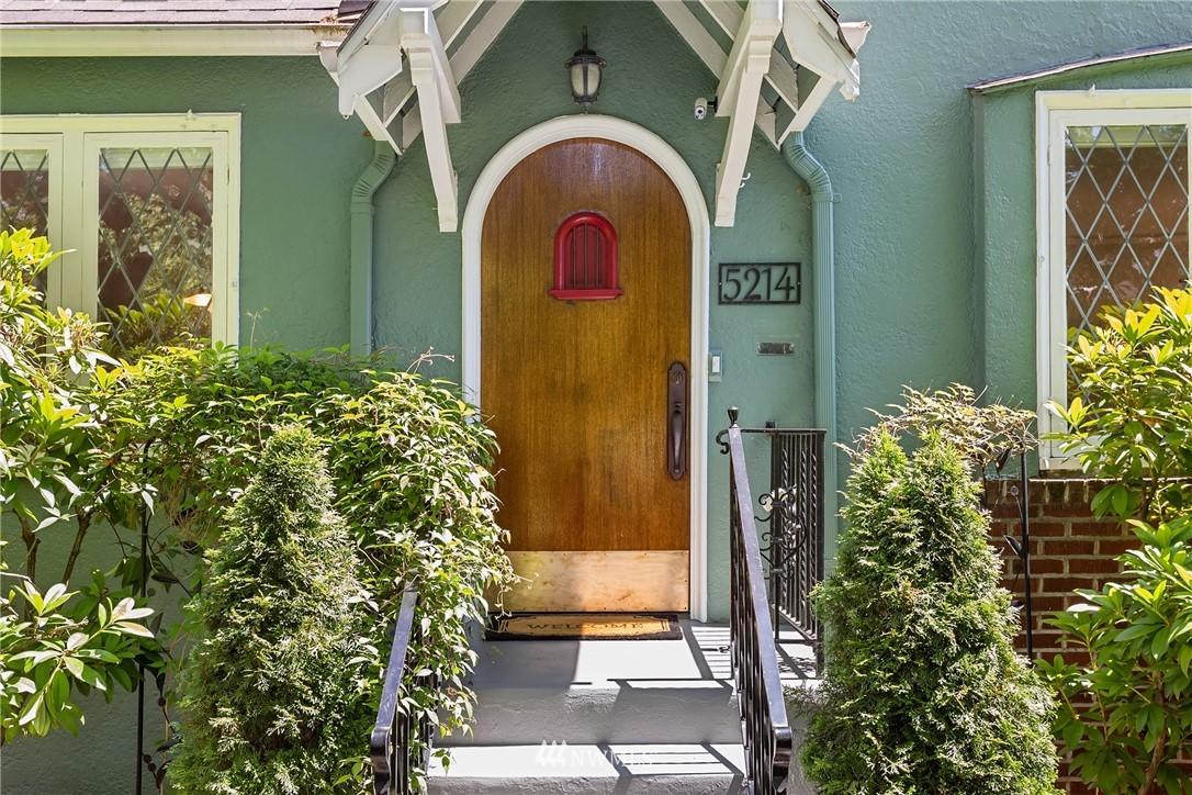 Sold Property | 5214 36th Avenue NE Seattle, WA 98105 2