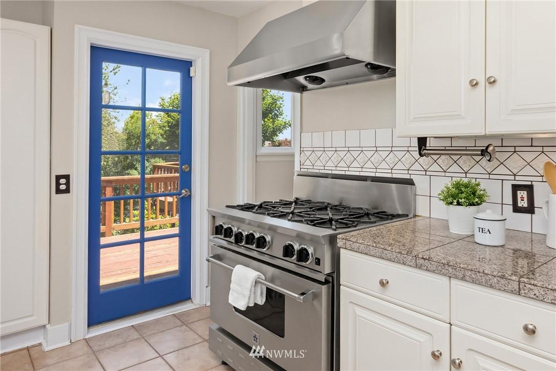 Sold Property | 5214 36th Avenue NE Seattle, WA 98105 11