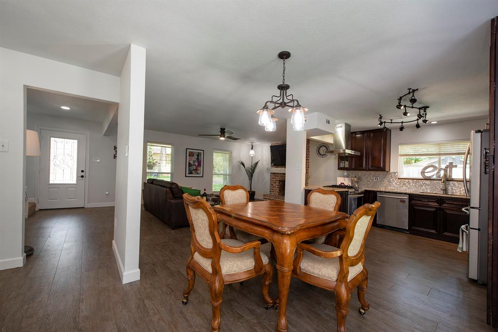 Pending Continue to Show | 2008 E Lacey Oak Circle The Woodlands, Texas 77380 13