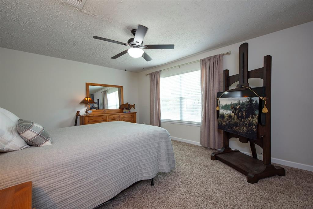 Pending Continue to Show | 2008 E Lacey Oak Circle The Woodlands, Texas 77380 19