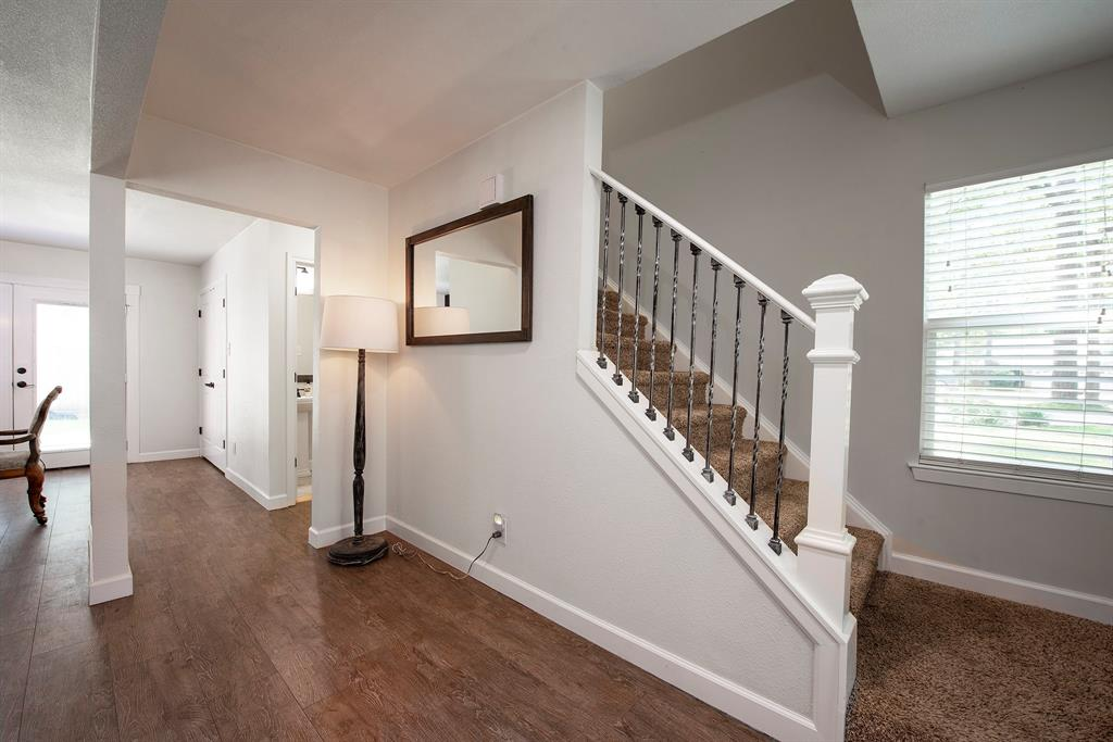 Pending Continue to Show | 2008 E Lacey Oak Circle The Woodlands, Texas 77380 6