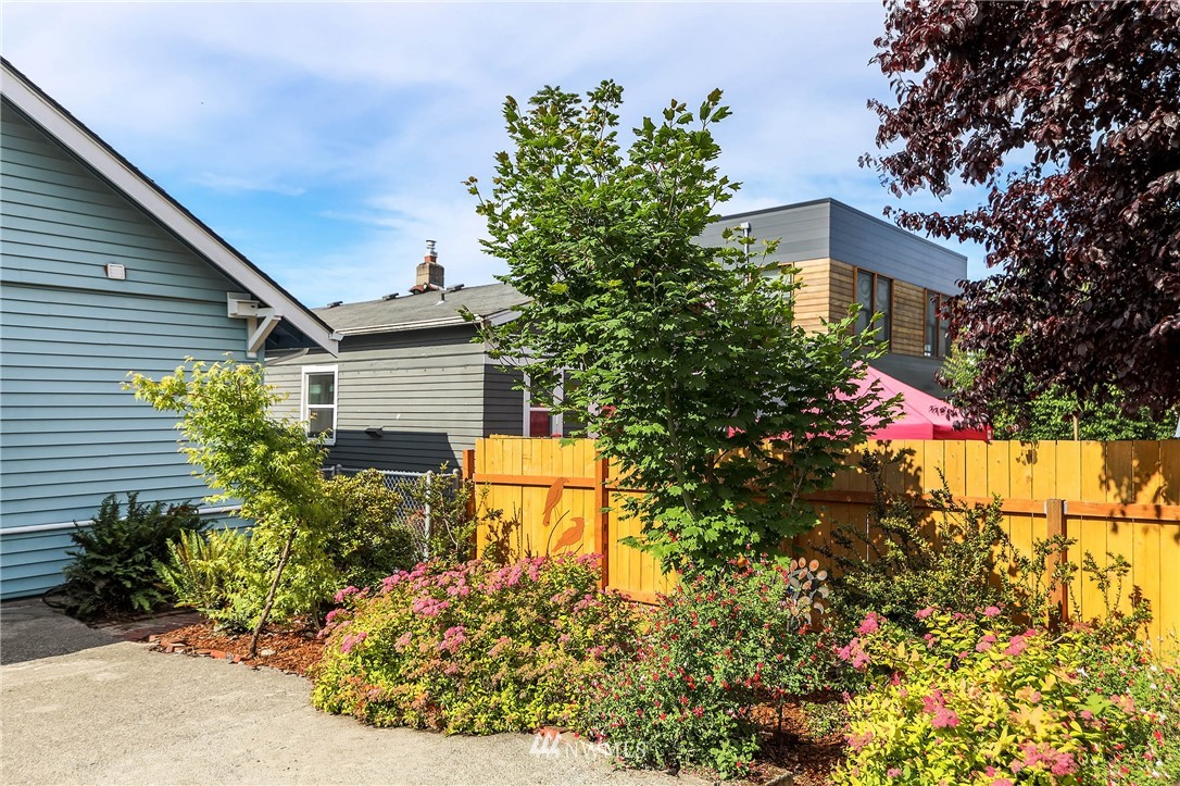 Sold Property | 4210 S Spencer Street Seattle, WA 98118 17