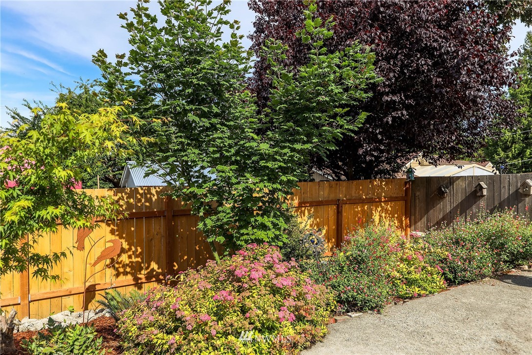 Sold Property | 4210 S Spencer Street Seattle, WA 98118 18