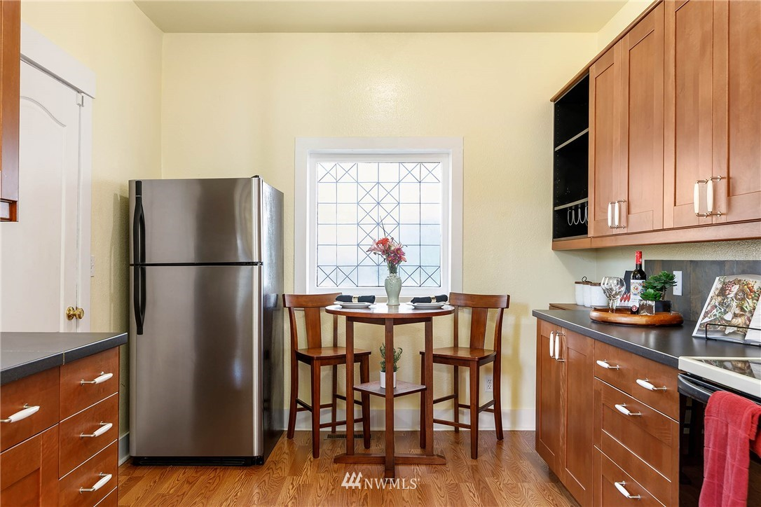 Sold Property | 4210 S Spencer Street Seattle, WA 98118 8