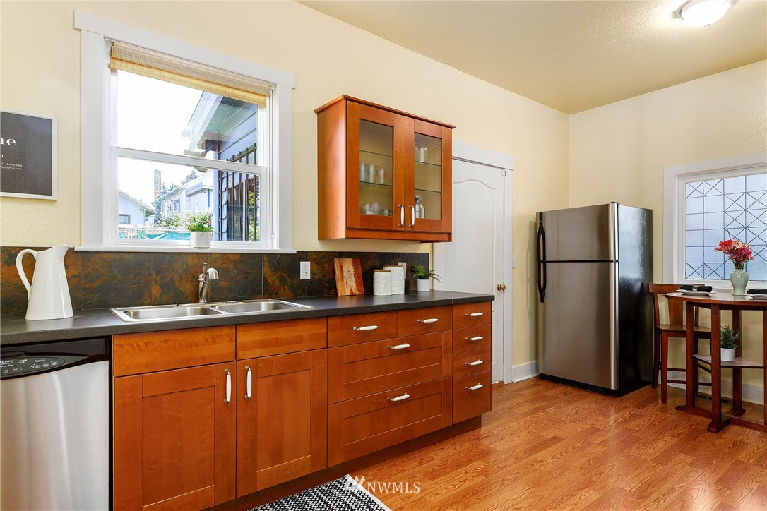 Sold Property | 4210 S Spencer Street Seattle, WA 98118 9