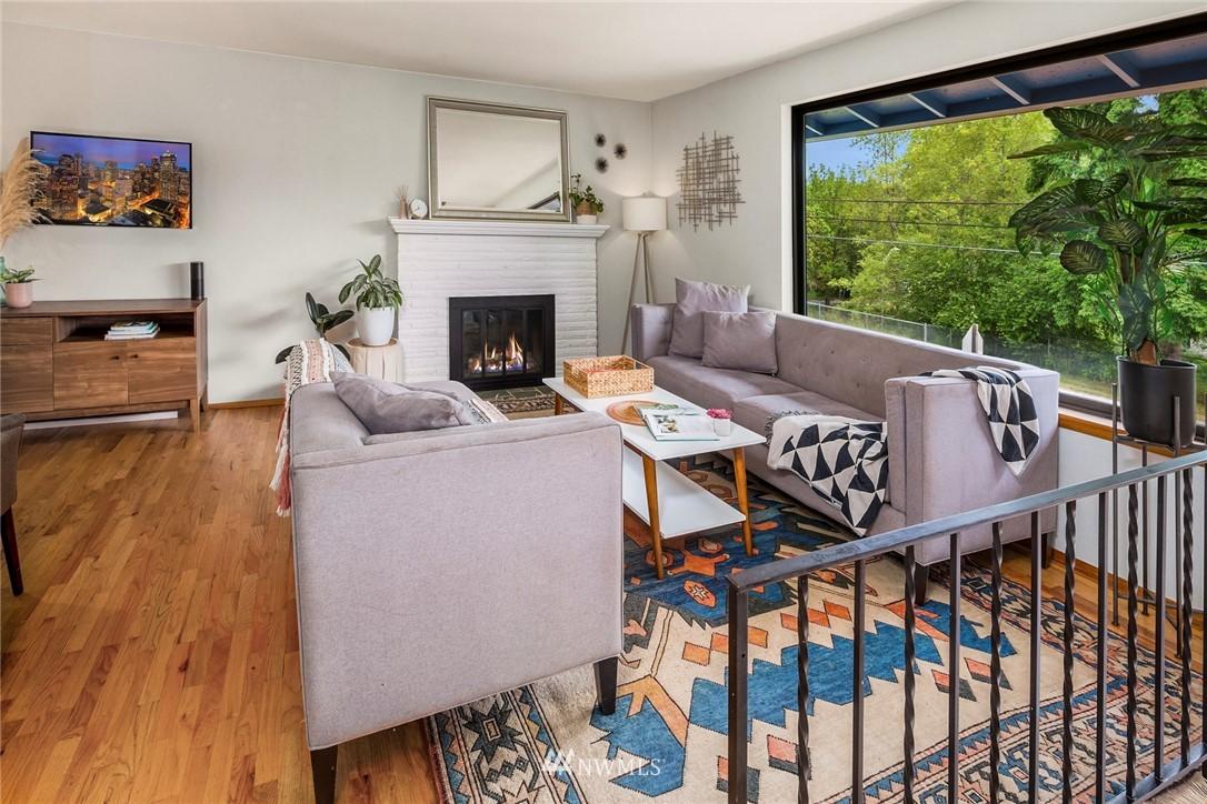 Sold Property   11019 10th Avenue SW Seattle, WA 98146 1