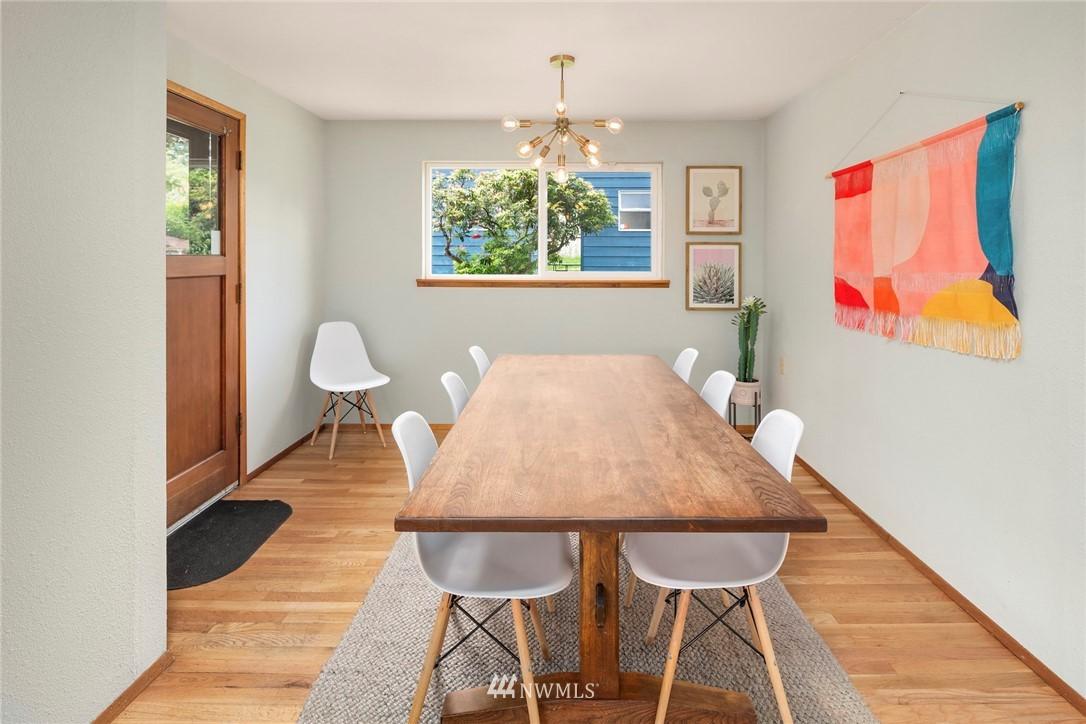 Sold Property   11019 10th Avenue SW Seattle, WA 98146 4