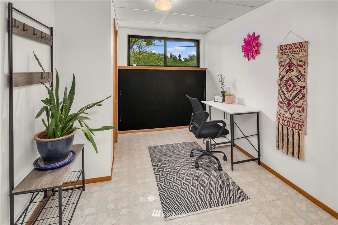 Sold Property   11019 10th Avenue SW Seattle, WA 98146 15
