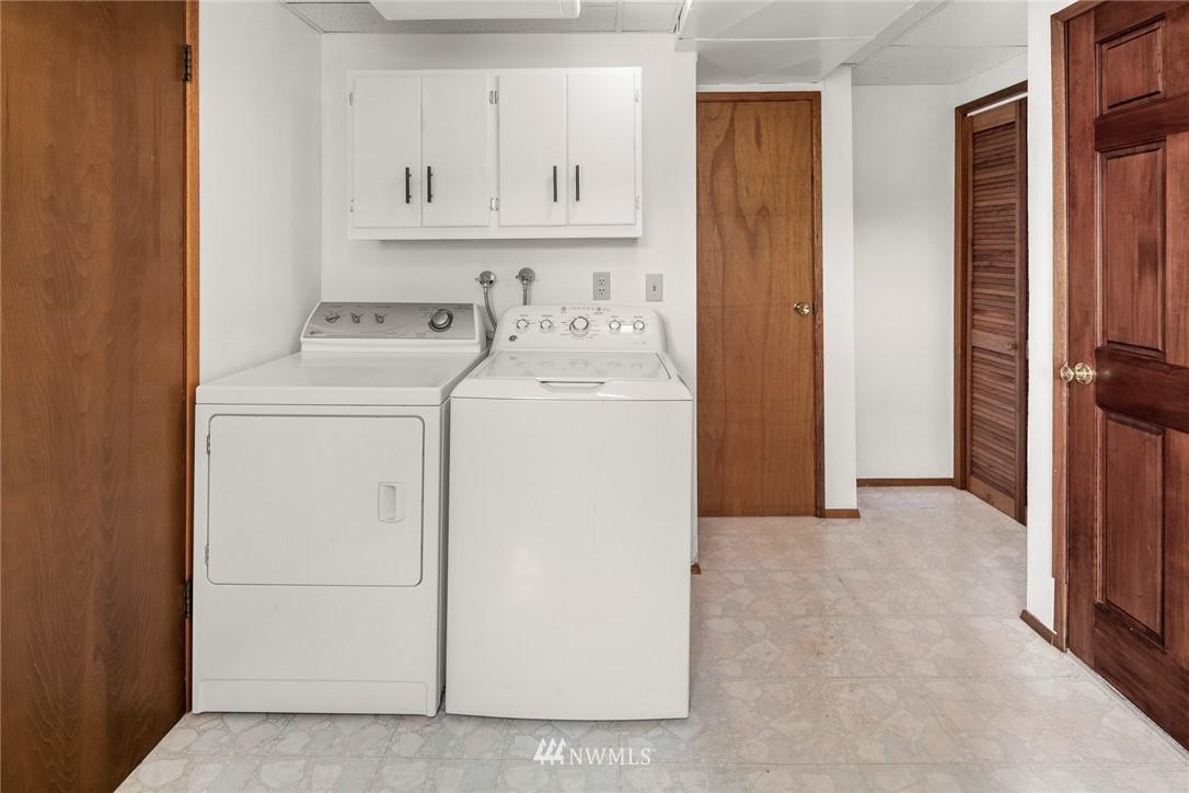 Sold Property   11019 10th Avenue SW Seattle, WA 98146 16