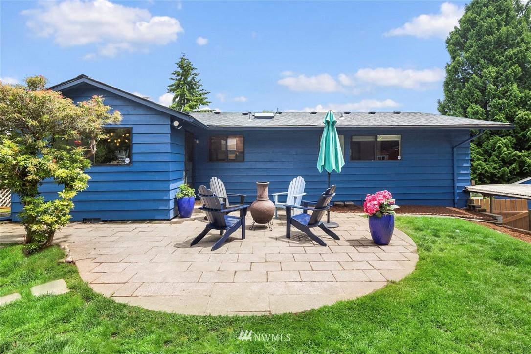 Sold Property   11019 10th Avenue SW Seattle, WA 98146 17