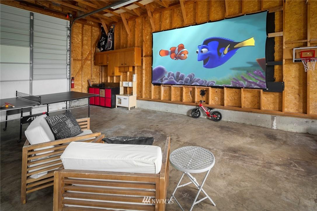 Sold Property   11019 10th Avenue SW Seattle, WA 98146 22