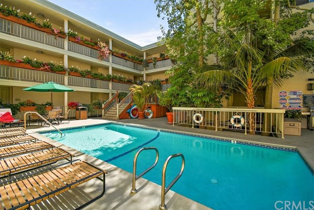 Active | 1230 N Sweetzer Avenue #208 West Hollywood, CA 90069 2