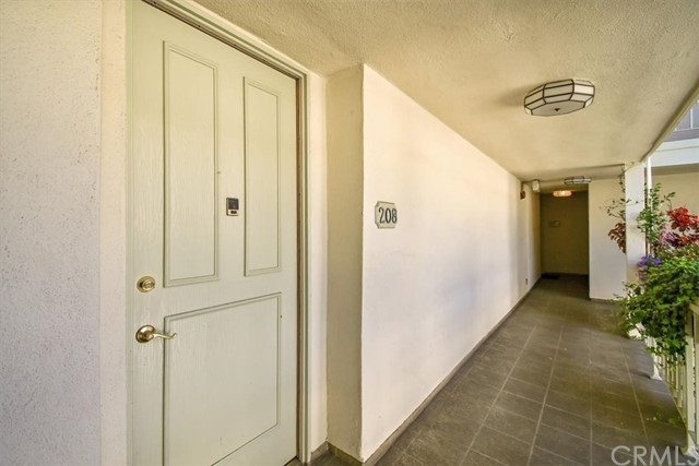Active | 1230 N Sweetzer Avenue #208 West Hollywood, CA 90069 4