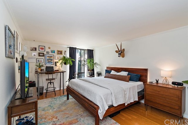 Active | 1230 N Sweetzer Avenue #208 West Hollywood, CA 90069 11
