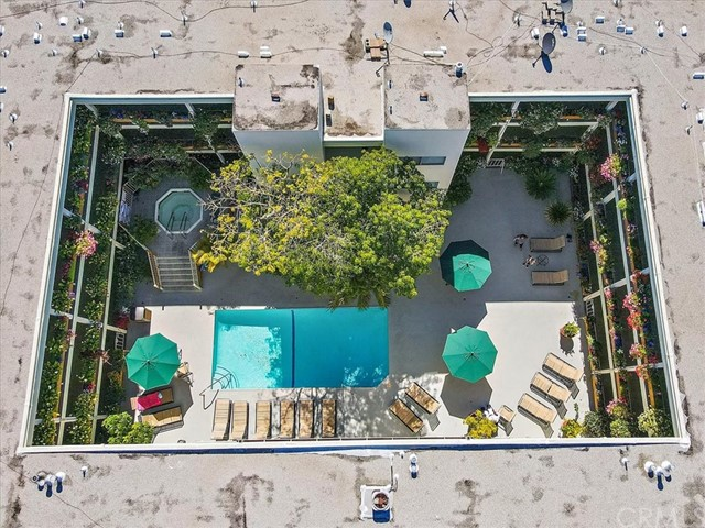 Active | 1230 N Sweetzer Avenue #208 West Hollywood, CA 90069 17