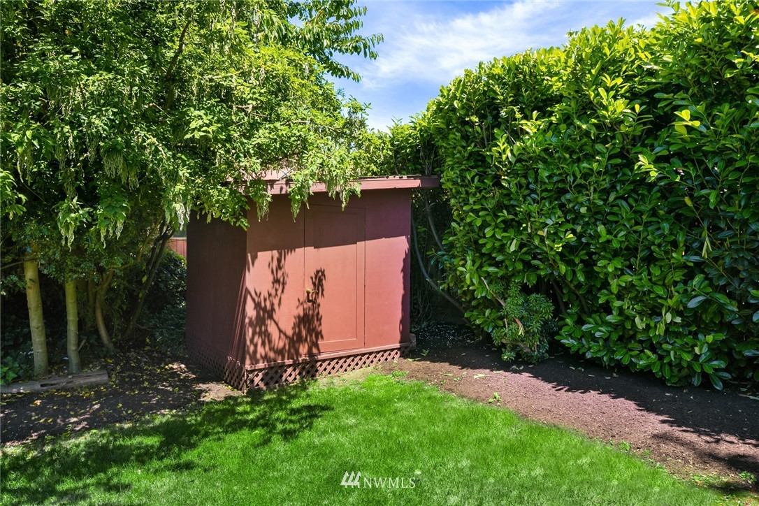 Sold Property | 20248 21st Avenue NW Shoreline, WA 98177 28