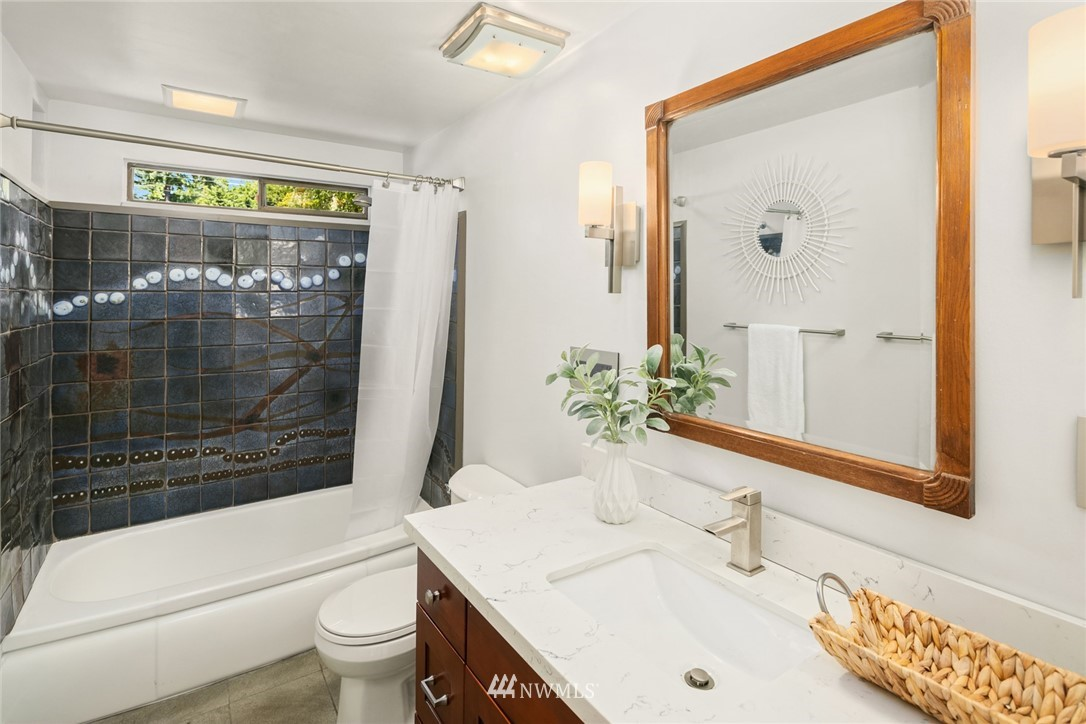 Sold Property | 20248 21st Avenue NW Shoreline, WA 98177 24