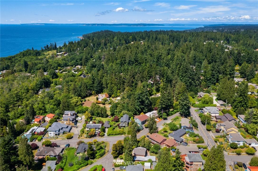 Sold Property | 20248 21st Avenue NW Shoreline, WA 98177 33
