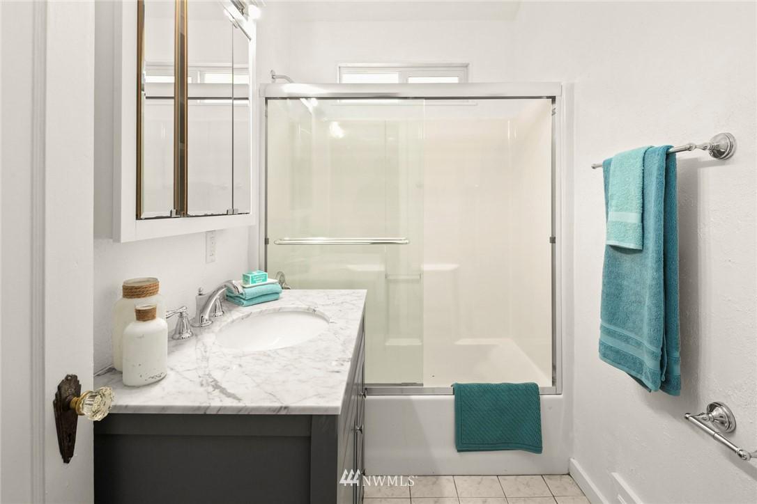 Sold Property | 2506 NE 120th Street Seattle, WA 98125 13