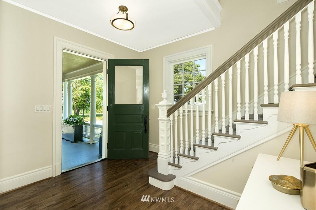 Sold Property | 4002 Washington Ave W Seattle, WA 98199 6