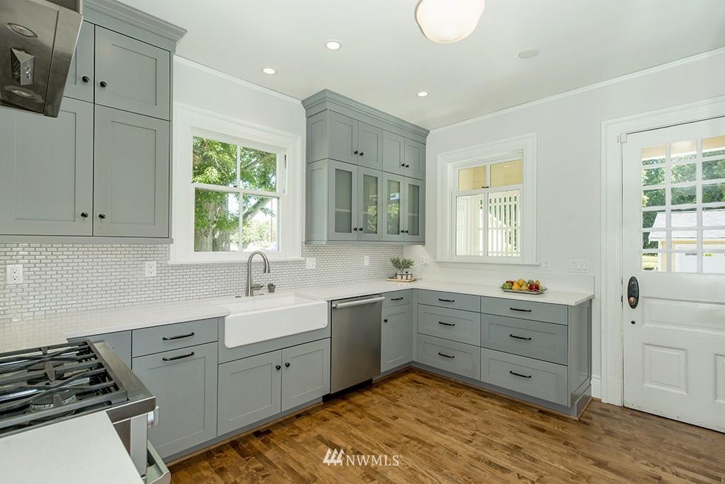 Sold Property | 4002 Washington Ave W Seattle, WA 98199 9
