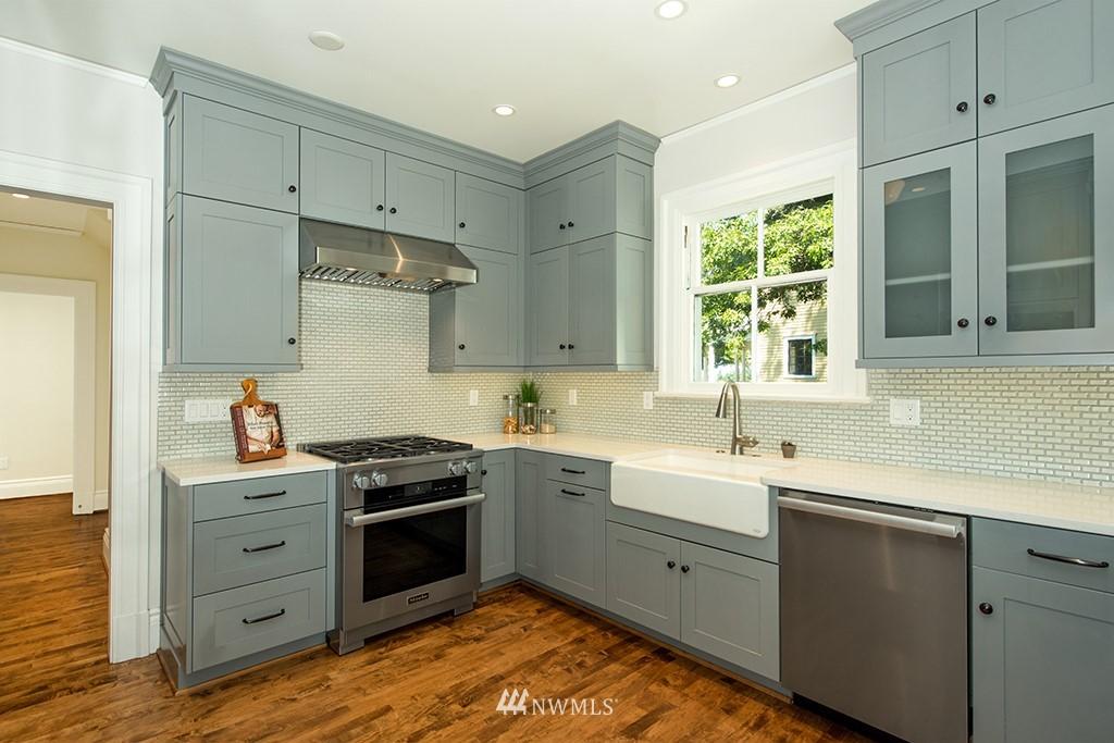 Sold Property | 4002 Washington Ave W Seattle, WA 98199 10