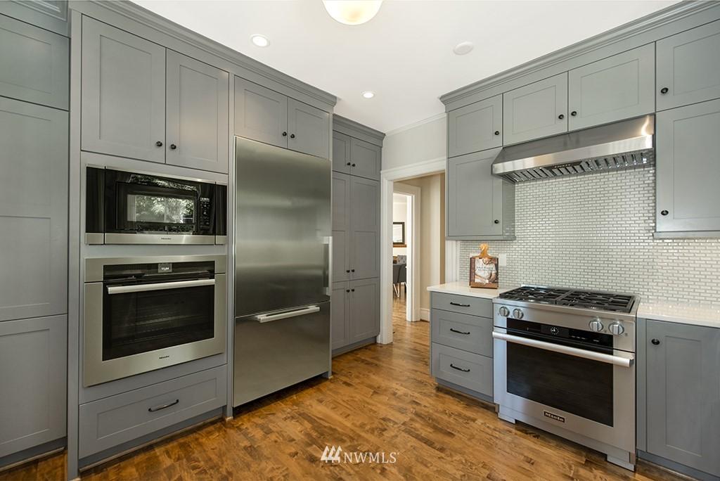 Sold Property | 4002 Washington Ave W Seattle, WA 98199 11